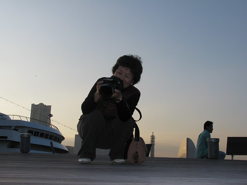 Una signora fotografa giapponese che ci ha preso di mira, pensando SPQG! (Sono Pazzi Questi Gaijin)
