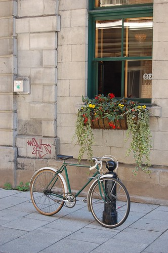 old bicycle in Quebec City