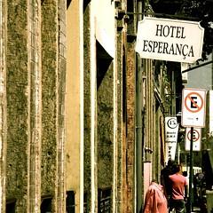 O único Hotel que fica sempre lotado no Ano Novo por Anna L. Fischer