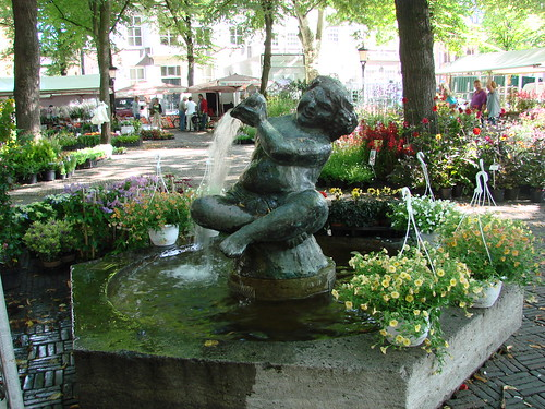 Flora and Fountain