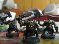 The first of my Evil Sunz orks await the chance to charge into battle... right after they get based and have their eyes painted in anyway.