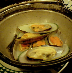 isami sushi - rice wine steamed mussels