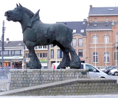 Stanbeeld van boerepaard