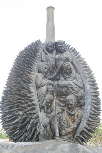 Durian Sculpture by Kublai