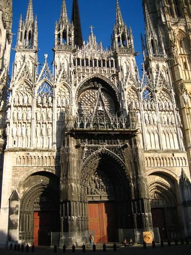 �ีกมุมหนึ่งข�งโบสถ์โมเน่ ให้เห็นรายละเ�ียดชัดๆ เดี๋ยวเ�นทรี่ถัดๆไปจะเ�าโบสถ์เว�ชั่นโมเน่ให้ดู