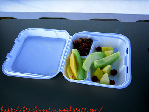 fruit_on_catamaran