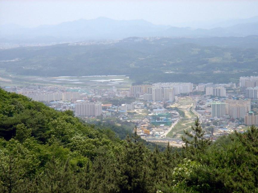 2004-06-12 Big Ride 09 - View of North Ulsan.jpg