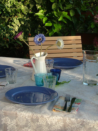 tablescape blue & white