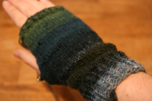 One glove (almost) done, seven more to go! by you.