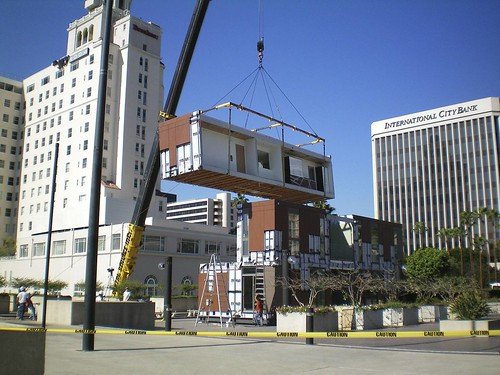 The Kohler LivingHome being craned into place at TED2009, Long Beach