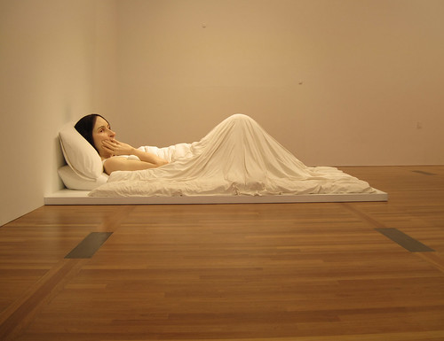 Ron Mueck - Woman in Bed (10) by Kratzy.