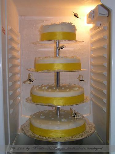 Hochzeitstorte im Kühlschrank