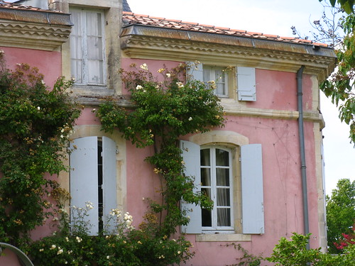 A pink château!  Loudenne, from epeigne37's flickr photostream