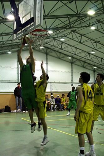 Men's Basketball vs. Leeds Met Carnegie, 3.12.08, Alexandru Hristea