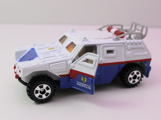 tomy tomica emergency police 2 car set (2)