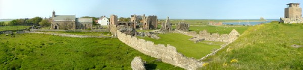 Lindisfarne Panorama - links to original on Flickr
