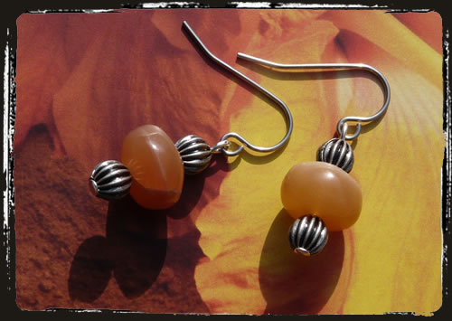 Orecchini arancio - Natural orange moonstone earrings MEHIPMA