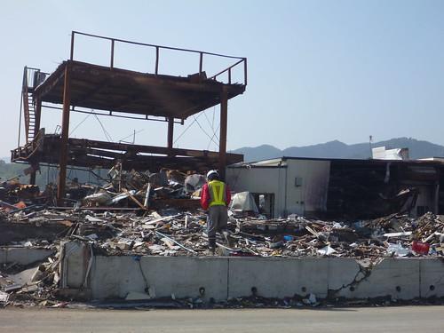気仙沼の様子 Kesennuma, Deeply Damaged Area by the Tsunami of Japan Quake