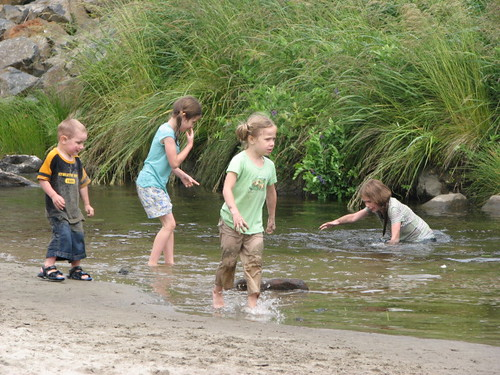 4 kids at creek