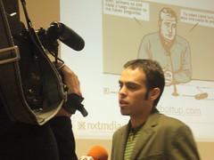 Pau Llop durante una entrevista