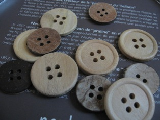 Wood-Coconut Shell buttons