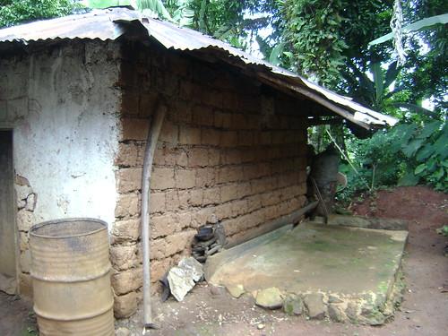 Papa Ndi Wambs tomb.
