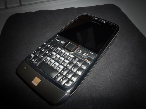 Nokia E71 - Pinhole