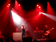 [Photo du concert d'Hooverphonic]