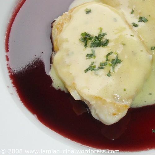 samtene Rotweinsauce, schaumige Mousseline
