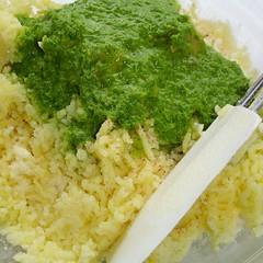 Bärlauch-Ei-Creme auf Kartoffelbrei