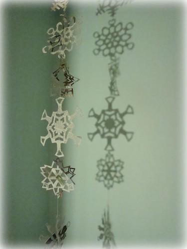 newspaper snowflakes (by mayalu)