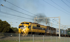 GM22 leading 4471 out of Yennora with T176