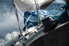Fresh summer sailing at Sjernarøy