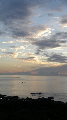 33.日出染白了雲朵 (1)