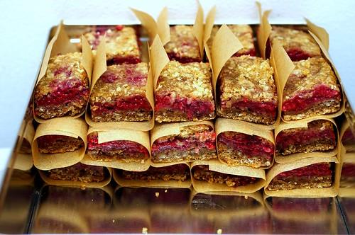 raspberry breakfast bars