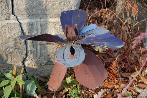 Flower? Windmill?