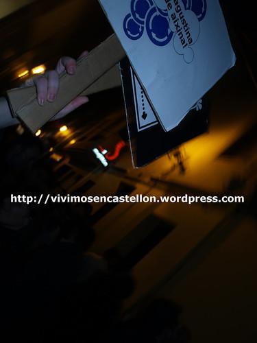 Mariagustina no rode aixina! manifestación en las Tascas 20·XI·08 foto011