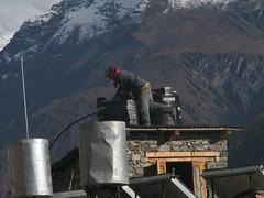 Llenando los depósitos del tejado