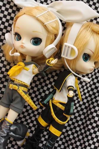 Vocaloids Rin and Len