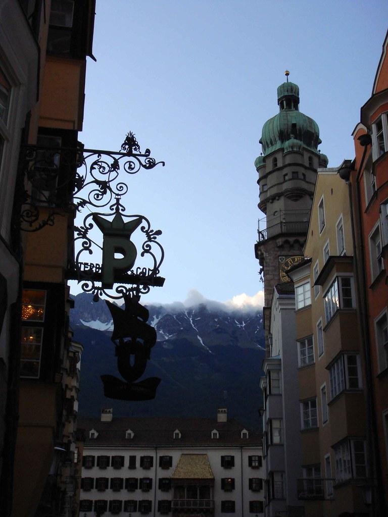 Innsbruck (María Teresa, con el Tejadillo Dorado, al fondo)