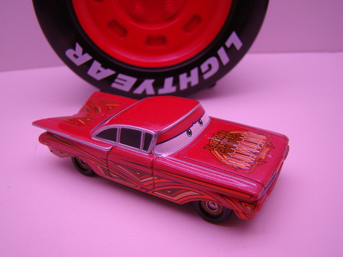 tomica ramone red