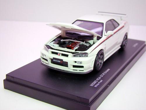 kyosho Z Tune Skyline GT-R R34 (3)