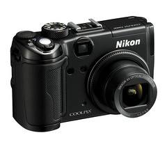 Nikon Coolpix P6000 3/4 view