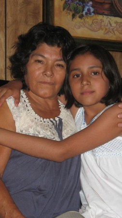 Katherine with her grandmother Mercedes Hernández (Photo: Valeria Fernández)
