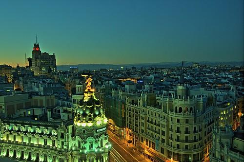 Gran Vía (Madrid) by felipe_gabaldon.