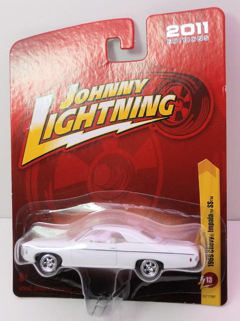 johnny lightning 1969 chevy impala ss (1)