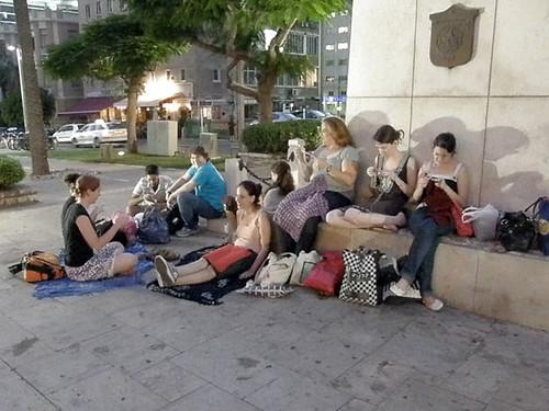 Worldwide Knitting In Public Day 2009