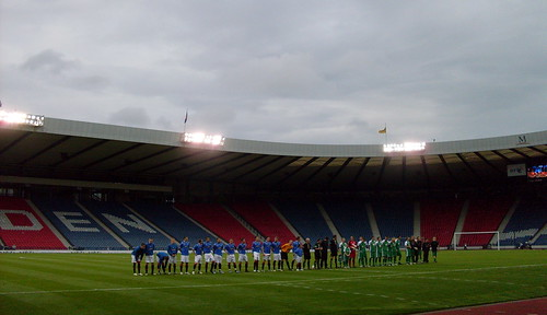 The two teams line up