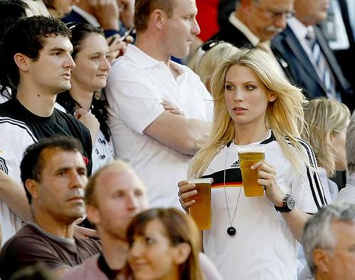 Mitos sobre as meulheres - Elas não gostam de Futebol