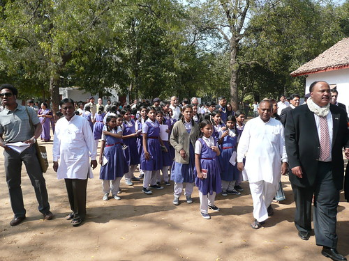 Hundreds of schoolchildren came to the ashram to meet and talk with MLK III and the members of Congress